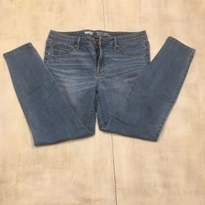 Massimo jeans Mid-rise jegging. Size 12/31R